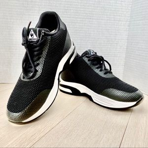 BLACK Lace-up Sneakers Athletic Walking Shoes 8M